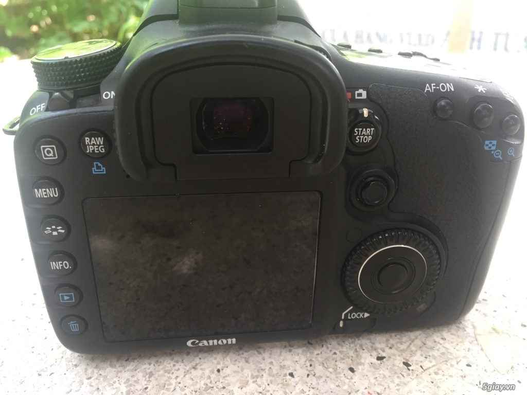 Canon 7D mới 98%