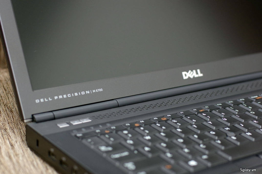 Máy trạm Dell Precision M6700 i7 xach tay như mới hàng Us