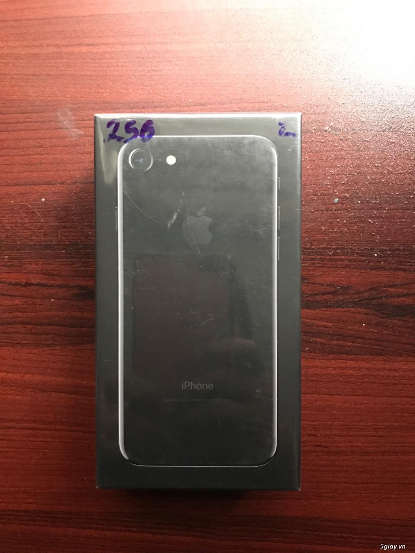 Iphone 7 Jet Black chính hãng 256gb mới nguyên seal cần bán - 2