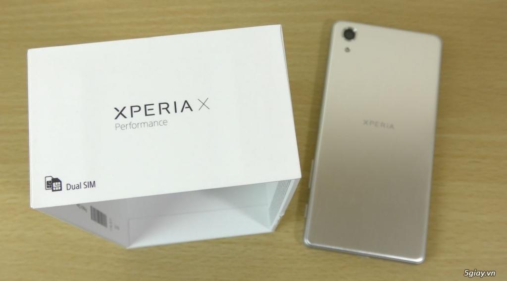Cần bán Xperia X màu bạc,TGDD,mới 99%,bảo hành còn 6,7 tháng.Giá 4tr5 - 1