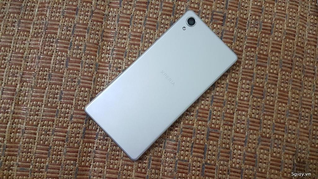 Cần bán Xperia X màu bạc,TGDD,mới 99%,bảo hành còn 6,7 tháng.Giá 4tr5 - 2