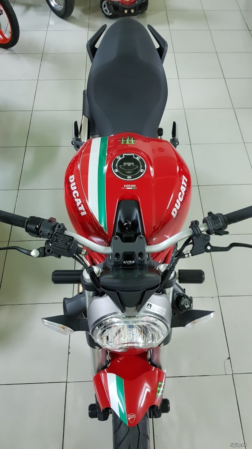 Ban Ducati Monster 821 ABS thang 52017 chinh hang Saigon so VIP - 5