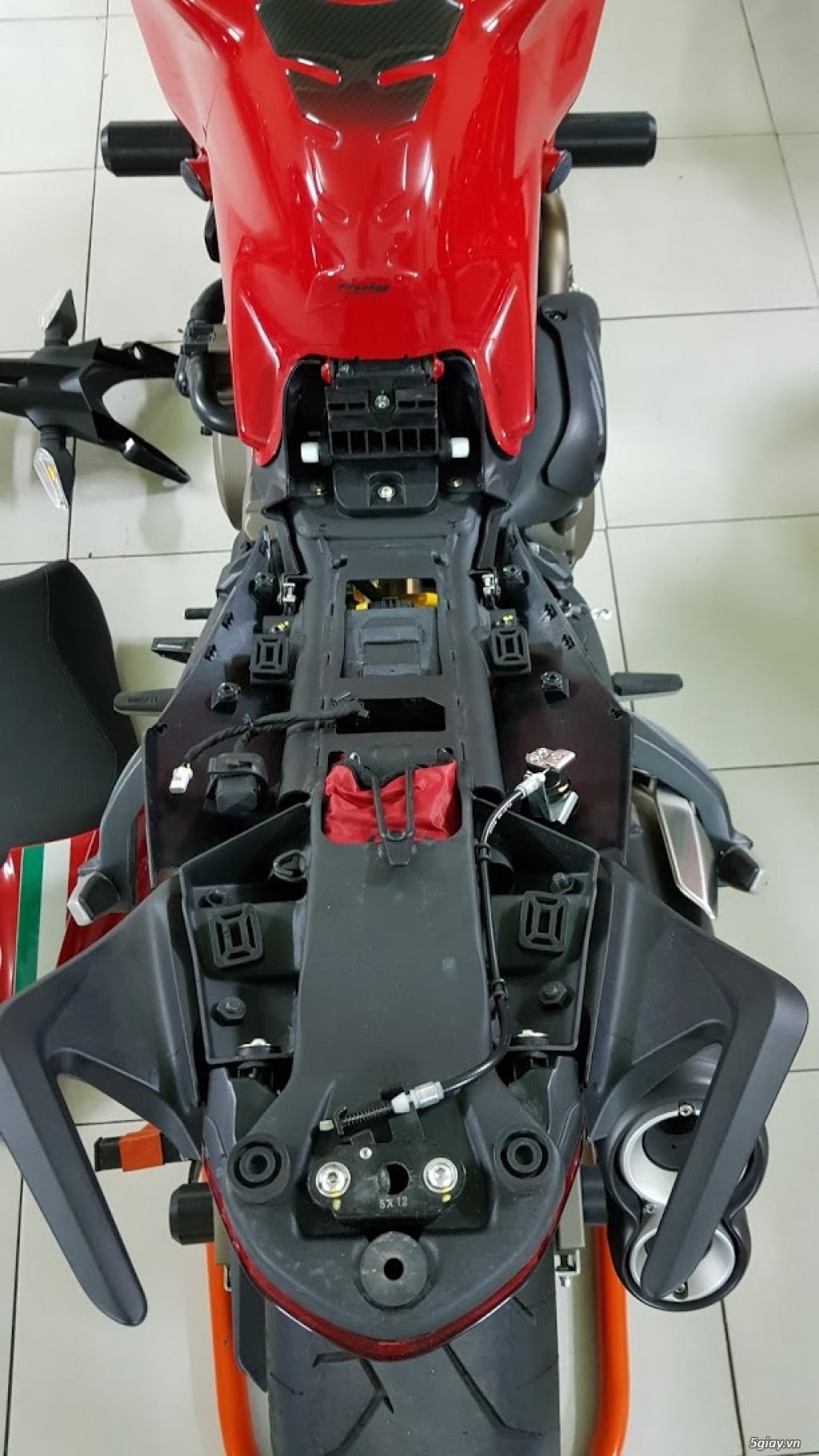 Ban Ducati Monster 821 ABS thang 52017 chinh hang Saigon so VIP - 14