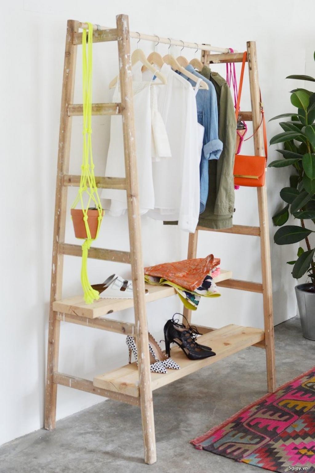 Sáng tạo giá treo quần áo từ thang gỗ - 207978