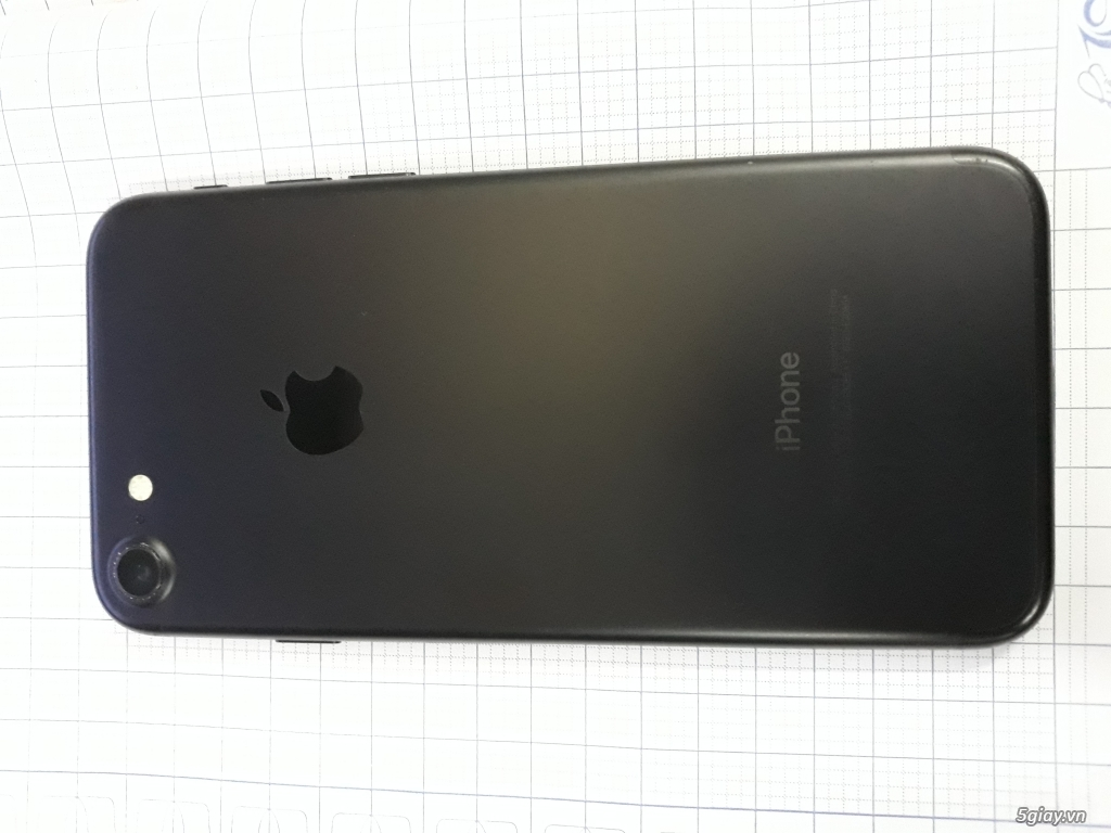 Bán iphone 7 lock 32g đen giá 7200k - 1