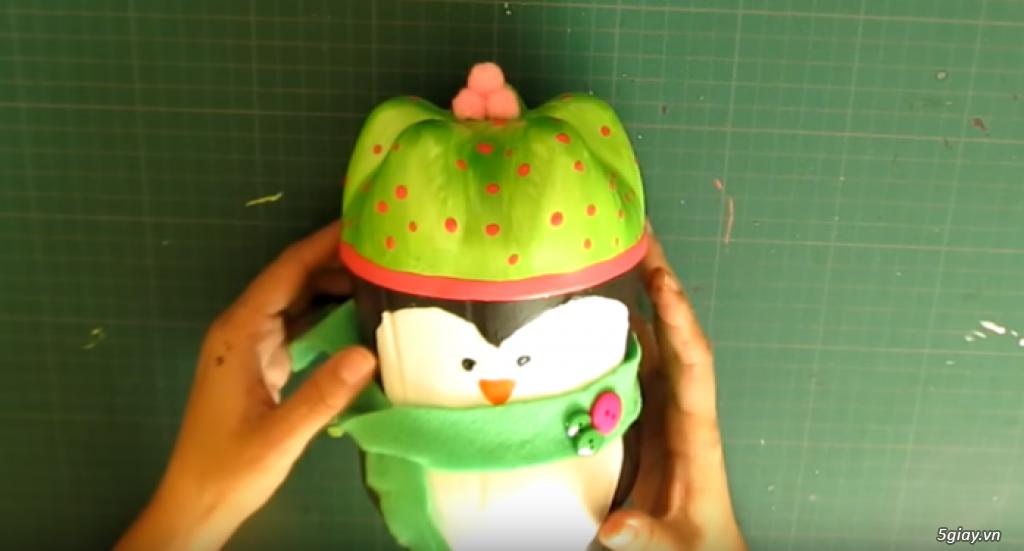 Cách làm chú chim cánh cụt siêu đáng yêu từ vỏ chai nhựa đón Noel - 210615