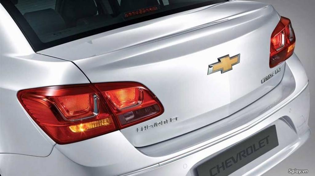 Chevrolet Cruze KM cuối năm khủng, trả góp 90% xe, lấy xe nhanh