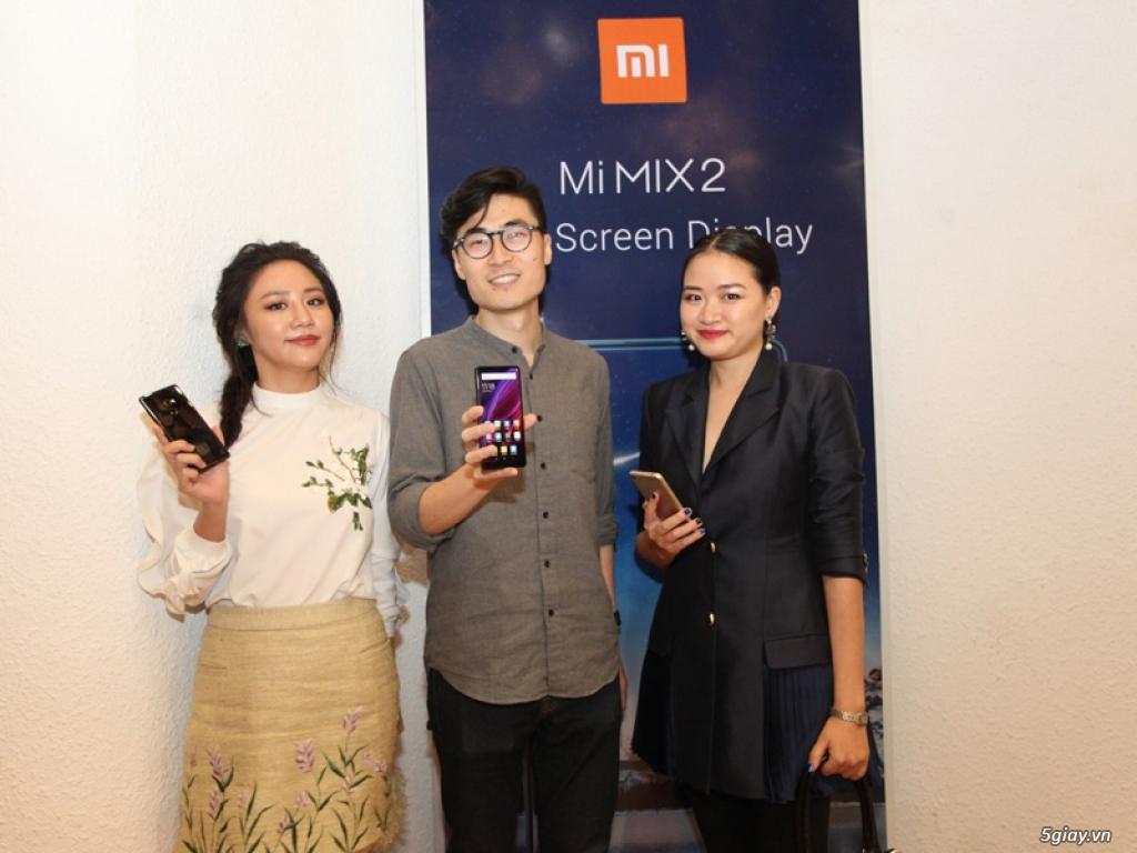 Xiaomi giới thiệu Mi MIX 2 và Redmi Note 5A tại Việt Nam