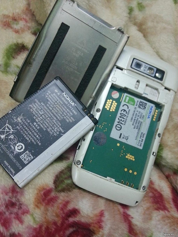 Điện thoại nokia E71 màu trắng chính hãng mới.