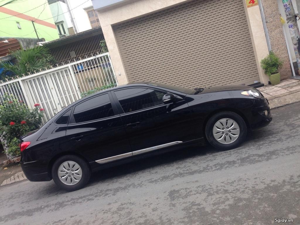 Cần bán xe Hyundai Avante 2013 số sàn màu đen long lanh