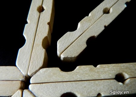 Làm bông tuyết bằng kẹp gỗ mùa Giáng sinh - 213171