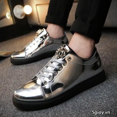 Mang giày độc mua giá mềm thể hiện cá tính.  Giá chỉ từ 150k - 450k