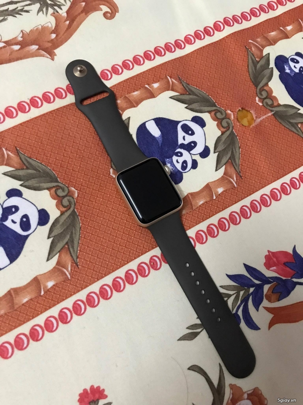 Bán Apple Watch series 2 màu Gold Aluminum size 42mm, fullbox, 98% !
