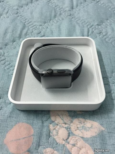 Apple watch S2 fullbox likenew thép đen 42mm dây black sport band.