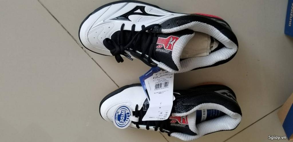 HCM Bán: giày chơi cầu lông Mizuno mới 100%