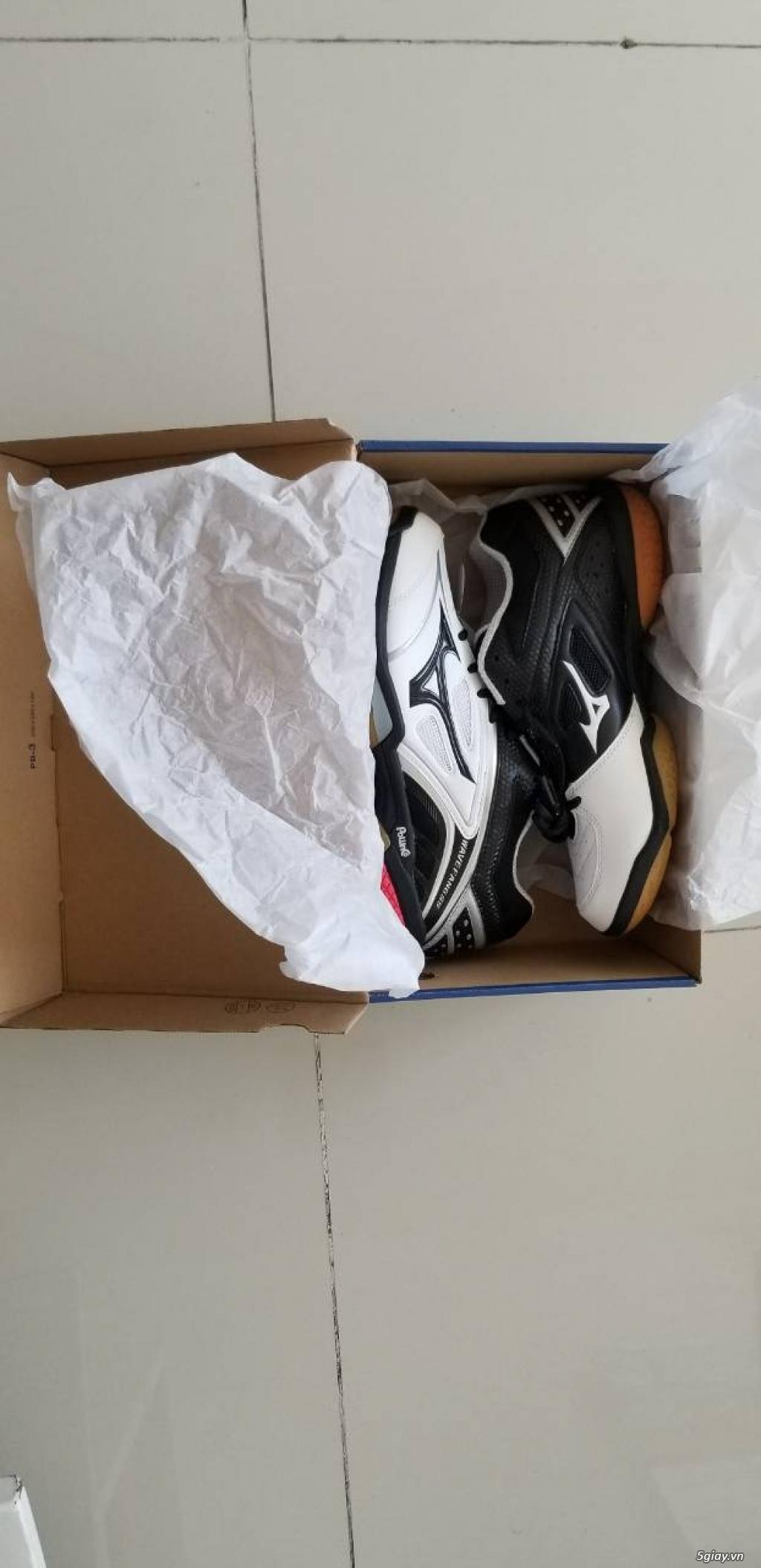 HCM Bán: giày chơi cầu lông Mizuno mới 100% - 2