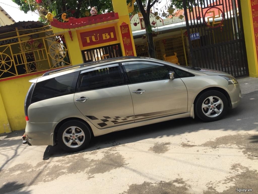 Cần bán xe Mitsubishi Grandis 2.4at 2007 màu vàng cát zin đẹp