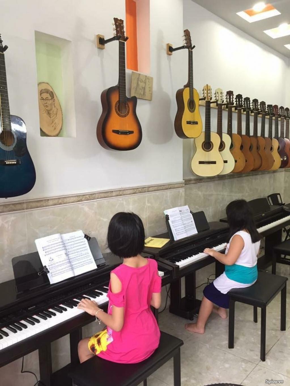 bán piano điện,cơ guitar ukulele giá rẻ hàng mới đẹp