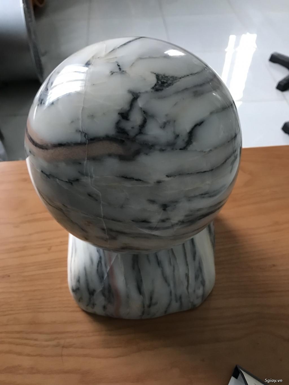 Dư bán trái cầu đá tự nhiên pentin
