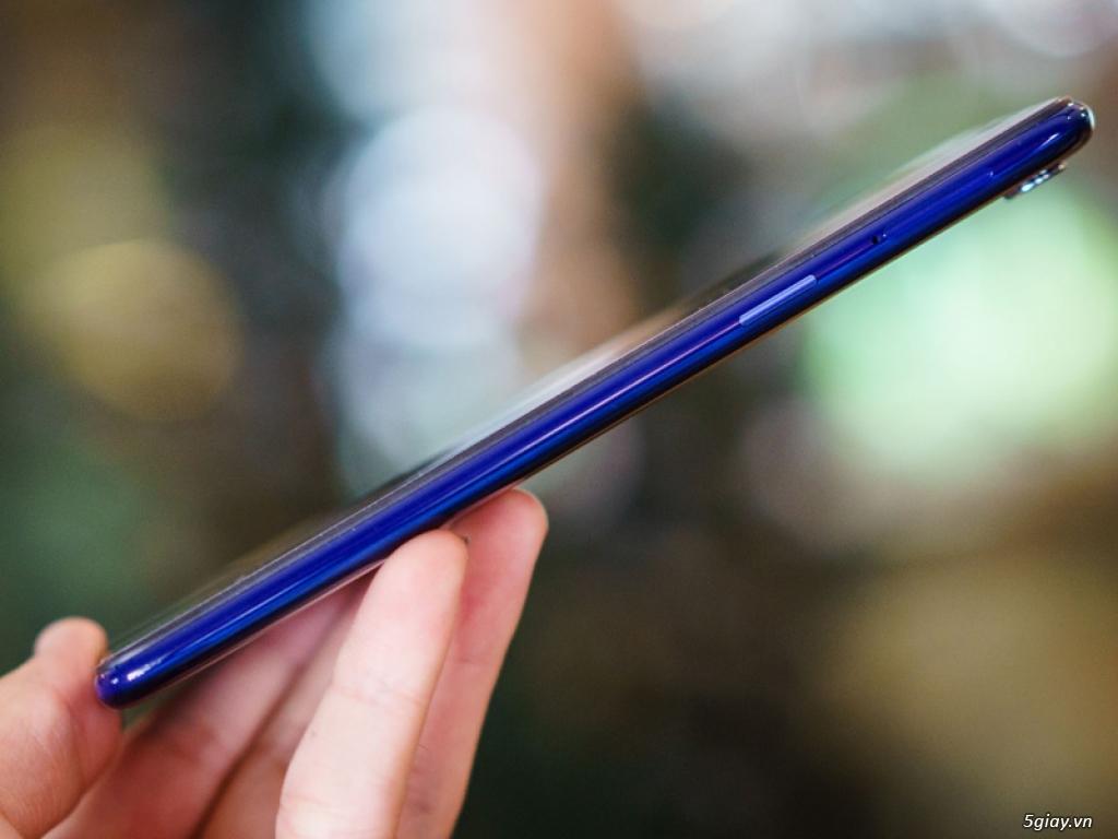 Ra mắt Oppo F5 phiên bản xanh thạch anh - 220187