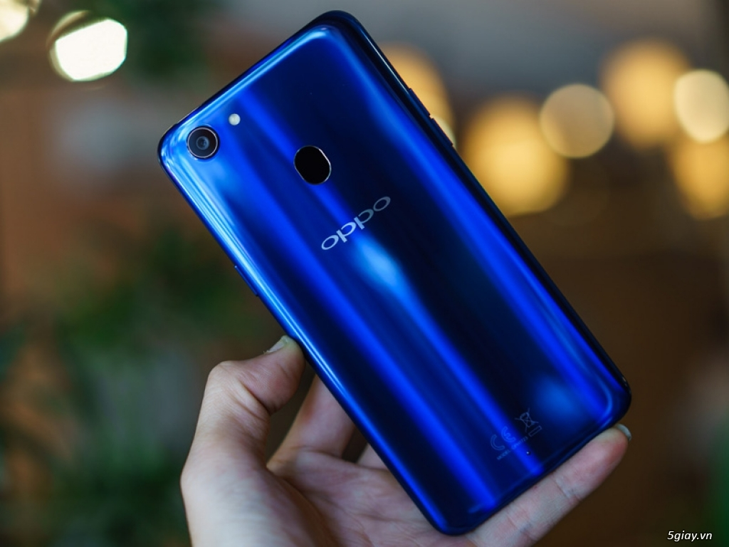 Ra mắt Oppo F5 phiên bản xanh thạch anh - 220186