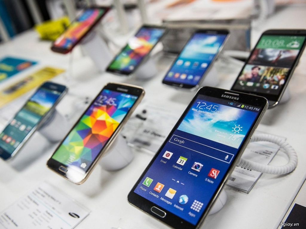 Mua smartphone mới không còn là thú vui được ưa thích - 220336