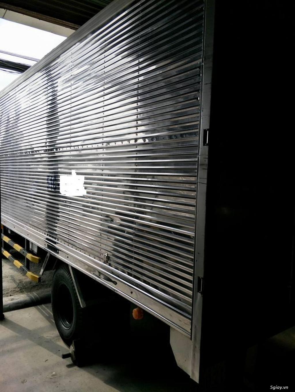 xe tải isuzu NMR 1t9 thùng kín inox đời 2015 - 2