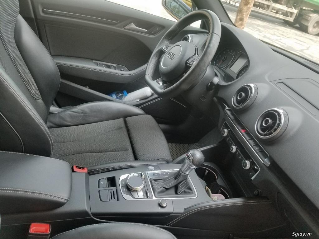 Xe Audi A3 Hatchback màu xanh, hàng nhập Đức - 3