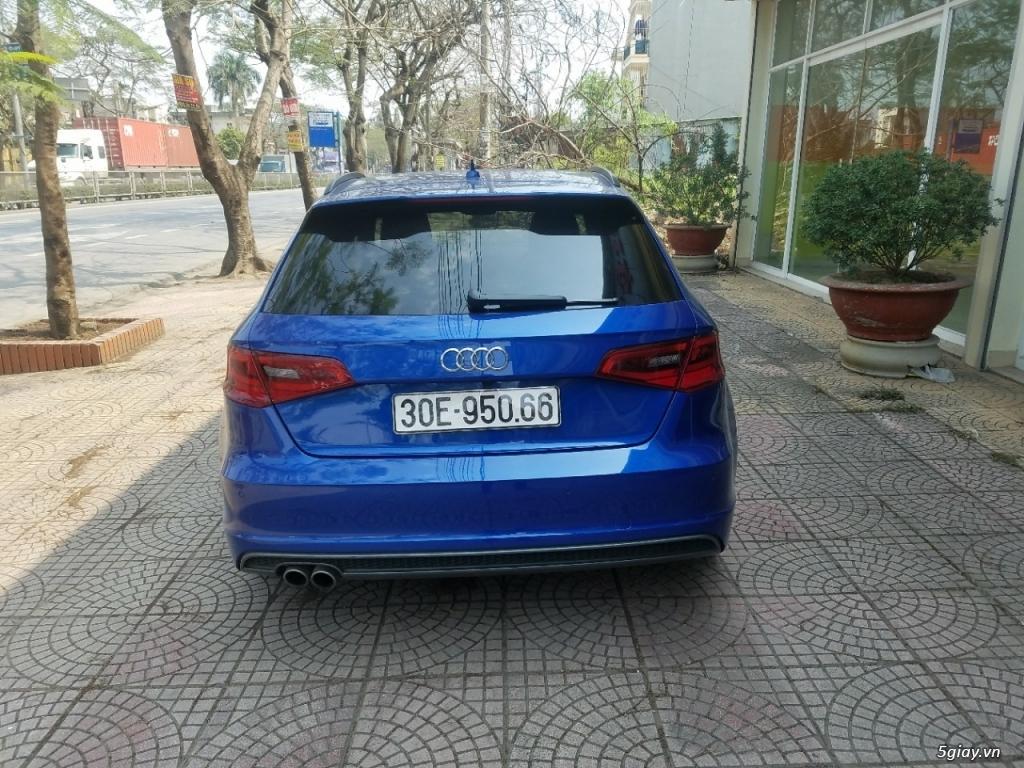 Xe Audi A3 Hatchback màu xanh, hàng nhập Đức - 1