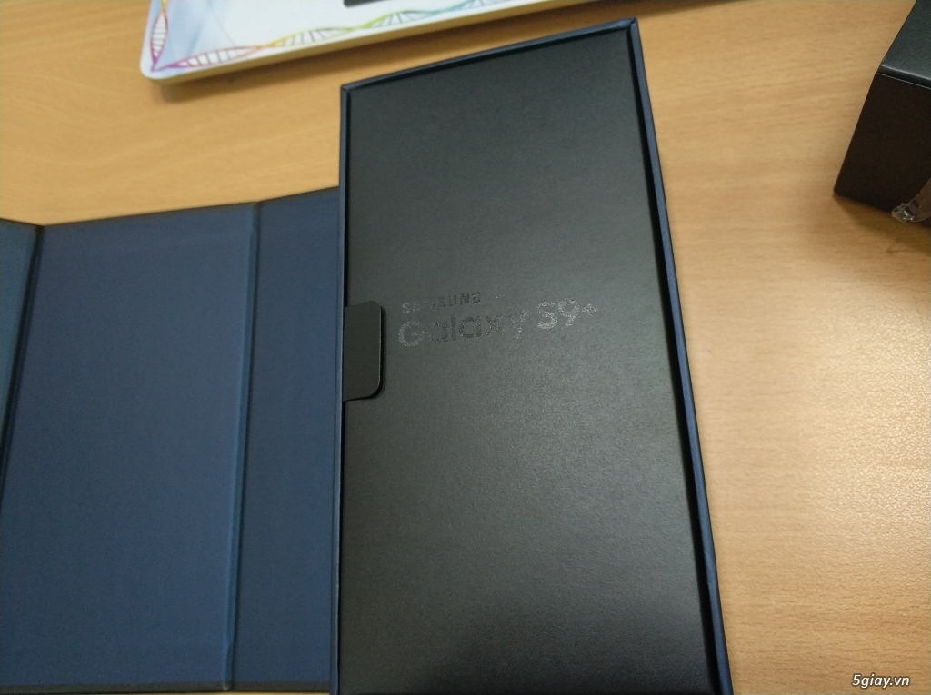 Điện thoại chính hãng Samsung Galaxy S9+ (BLACK)  mới 99,9% - 4