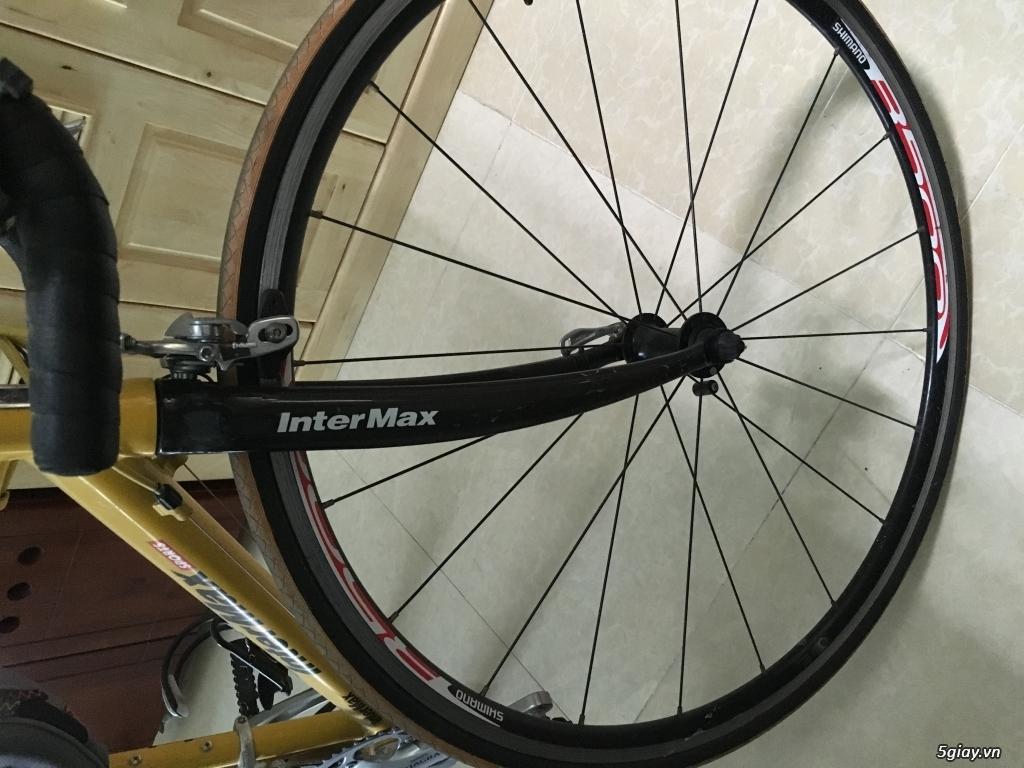 Xe Road Intermax - 2