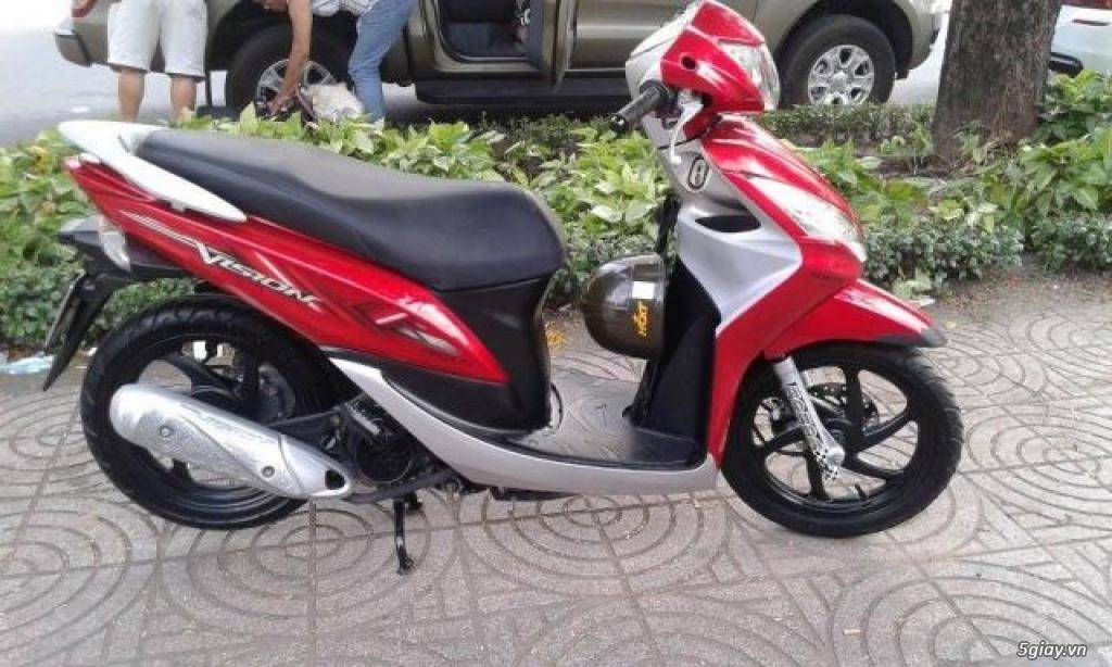 Cần bán Honda Vision 2012 đỏ bạc