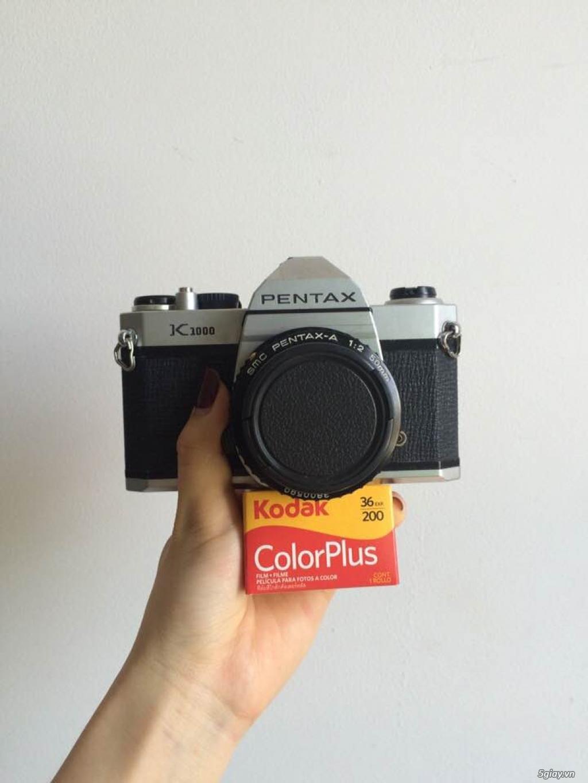 Máy ảnh chụp film Pentax K1000 có lens 50mm