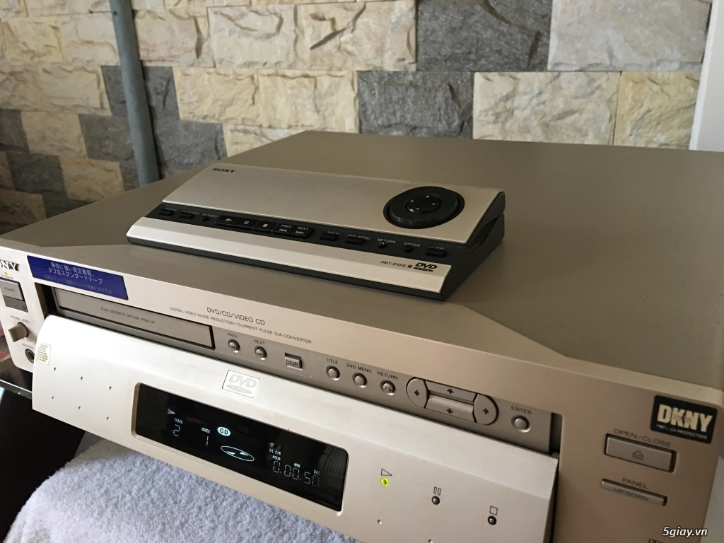 DVD SONY S7000 hàng cổ cho ai muốn sưu tầm..