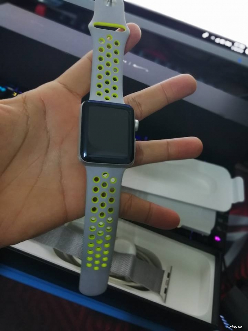 APPLE WATCH 42'' GEN 2 Series 2 Nike+ likenew !! - 1