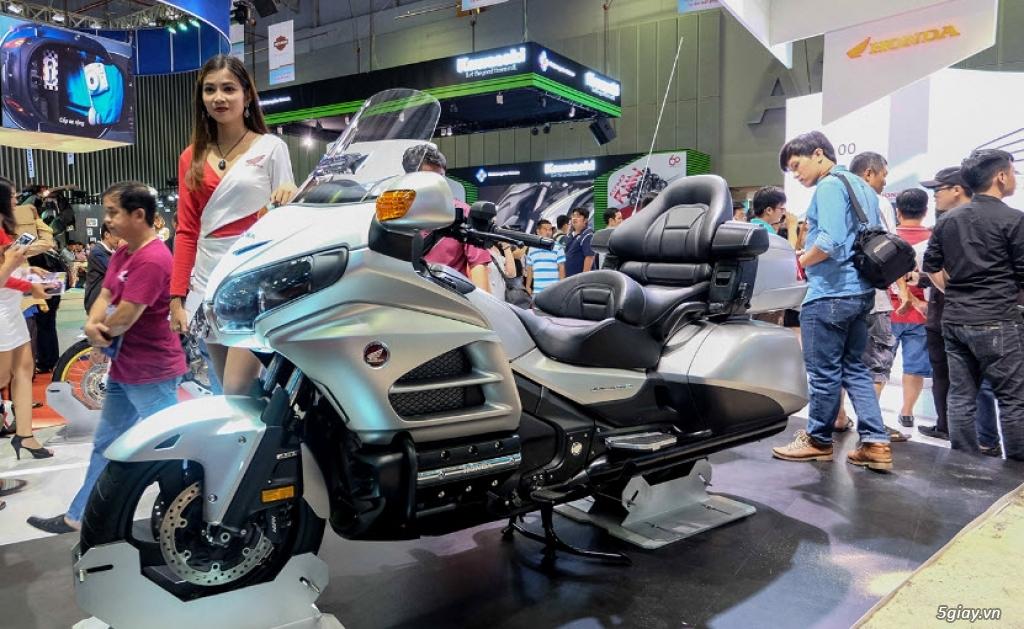 Đánh giá xe Honda Goldwing 2018: Vua đường trường với loạt công nghệ mới - 4