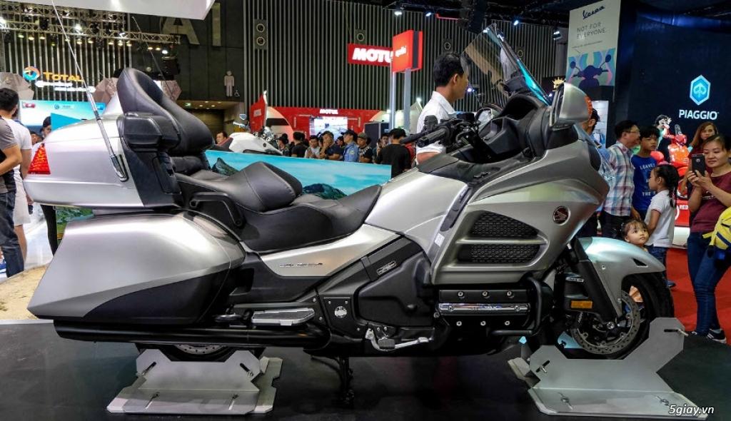 Đánh giá xe Honda Goldwing 2018: Vua đường trường với loạt công nghệ mới - 1