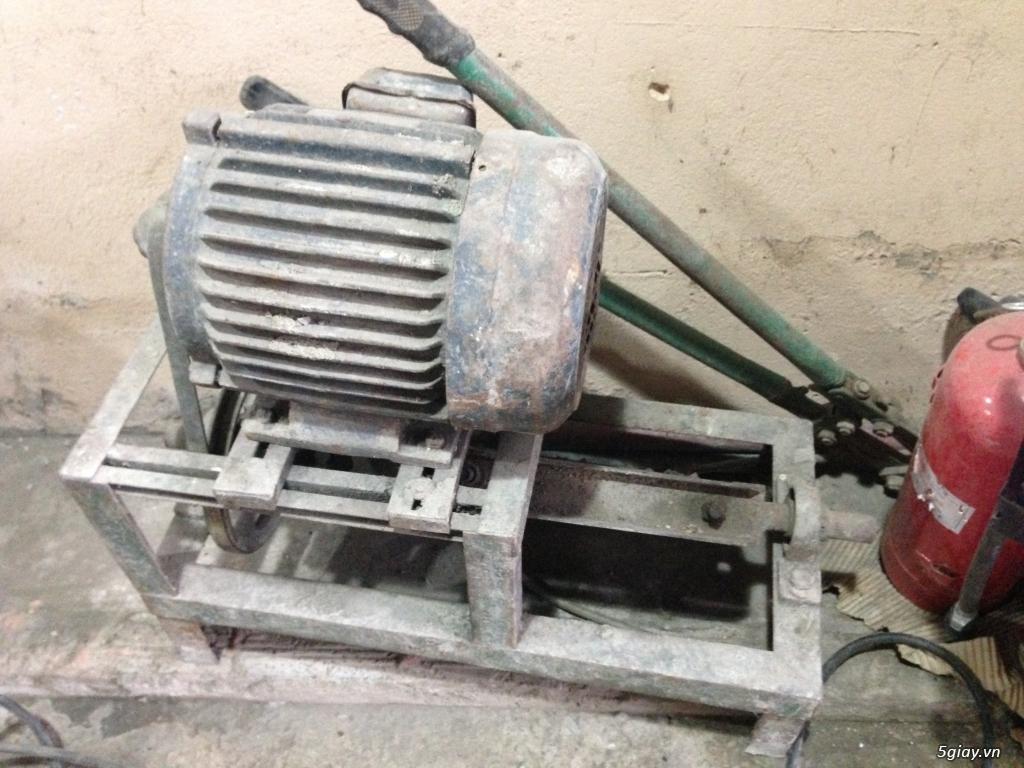 Máy dũi sắt ( đã qua sử dụng )