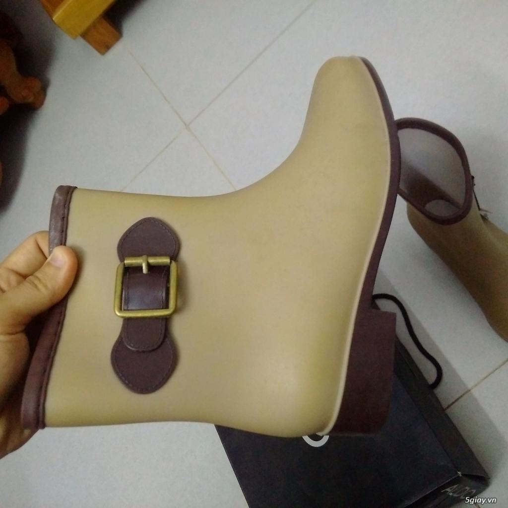 Dư đôi giày boot nữ cần đổi - 2