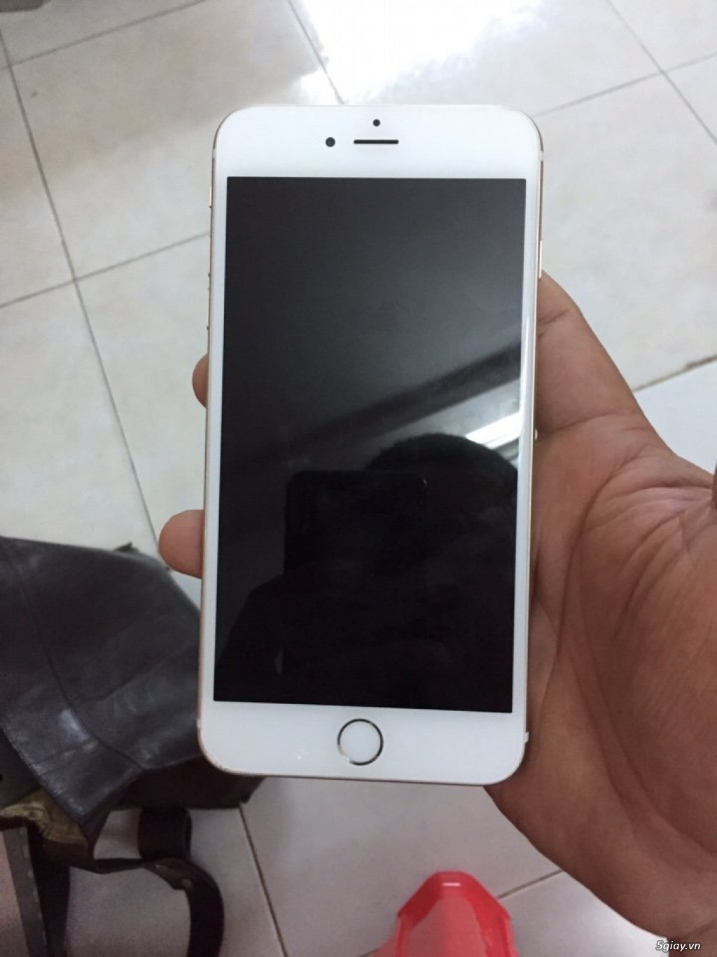 Cần bán gấp iphone 6plus quốc tế zin tất cả cho anh chị nào cần