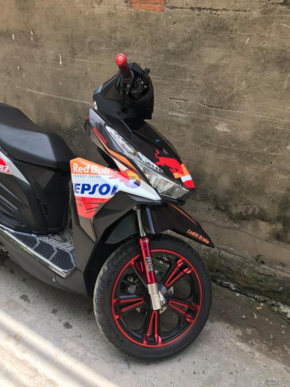 GiaoLưu:Honda Vario 125i BSTP sang tên ủy quyền nhanh gọn, kèm đồ thái