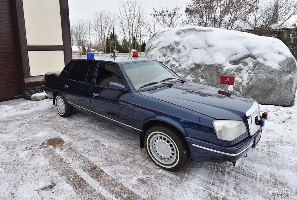 """""""Xe công vụ"""" Nga Moskvich Ivan Kalita đắt ngang Mercedes S-Class đời mới"""
