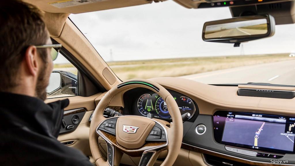 Công nghệ giúp tài xế ngồi chơi suốt 2.000 km không cần ôm vô-lăng