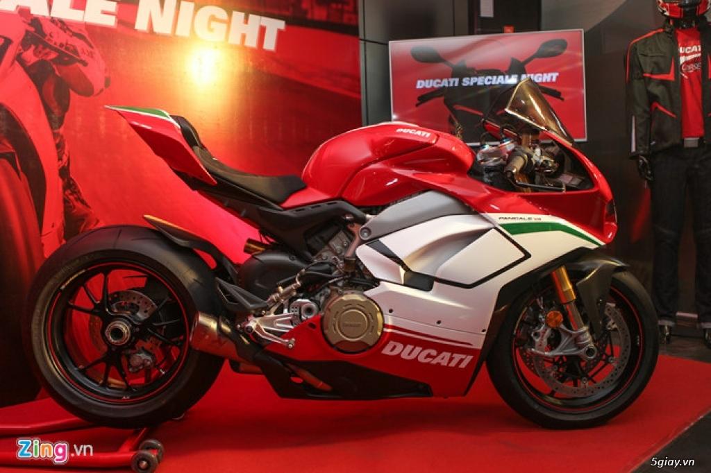 Ducati V4 Sport chính hãng giá hơn 900 triệu đồng tại VN