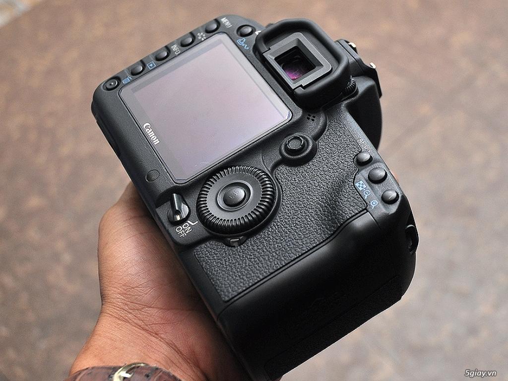 ... và số shot máy ảnh canon nikon các loại ,6D,70D,7D,60D,50D