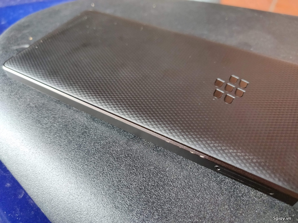 Blackberry key 2 - 3