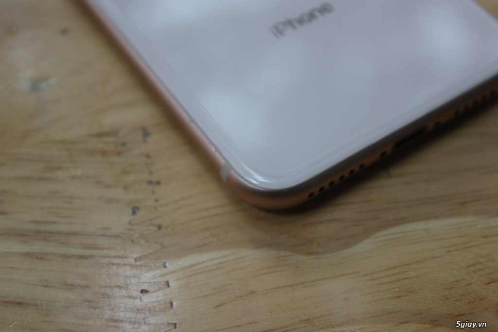 IPhone 8 64GB còn bảo hành lâu