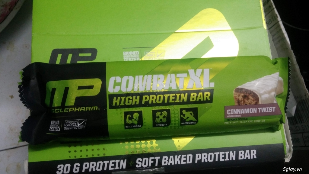 8 thanh Combat XL protein bar của Muscle Pharm - 1