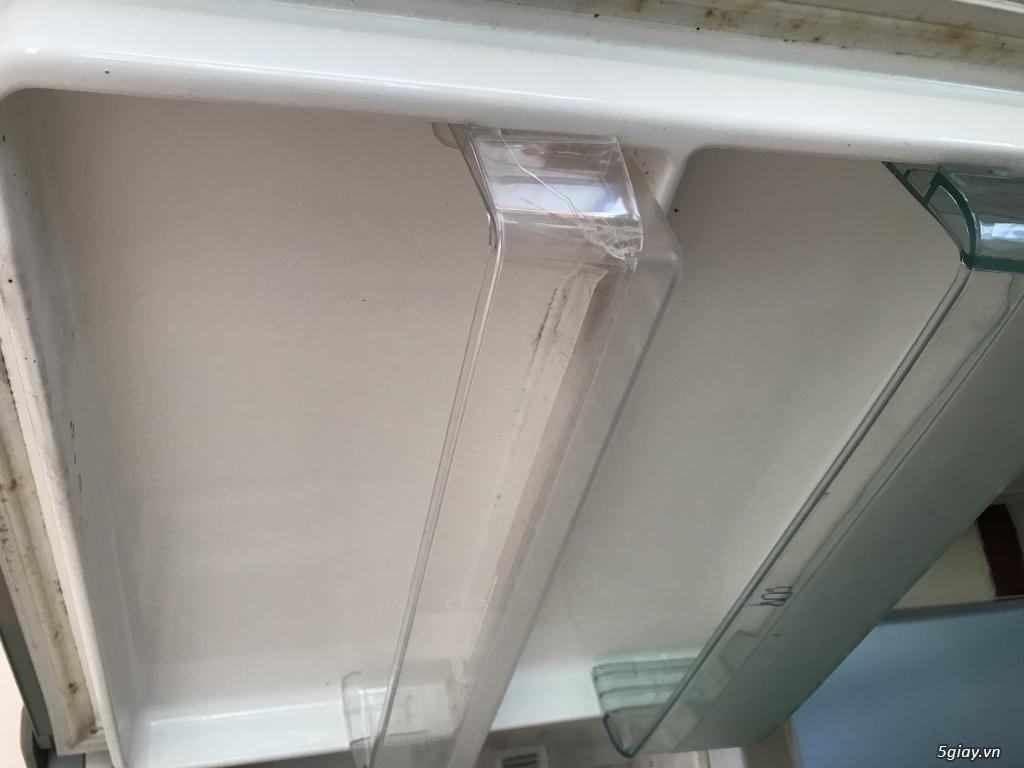 Tủ lạnh eletrolux 210 lít. San xuất thailand.