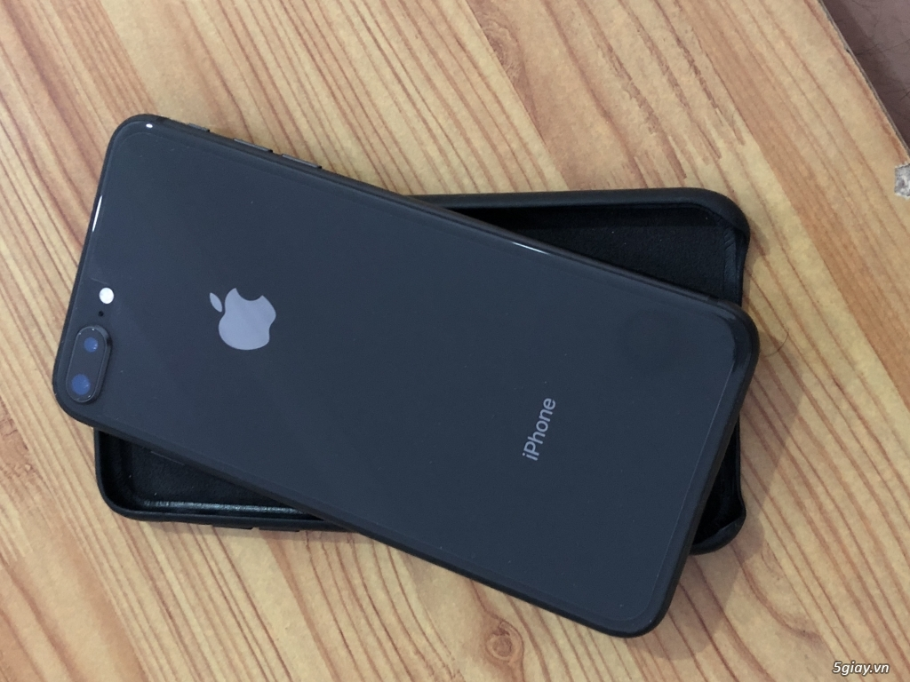 Cần bán: Apple iPhone 8 Plus 256GB Xám (Hàng chính hãng) - 98% - 1